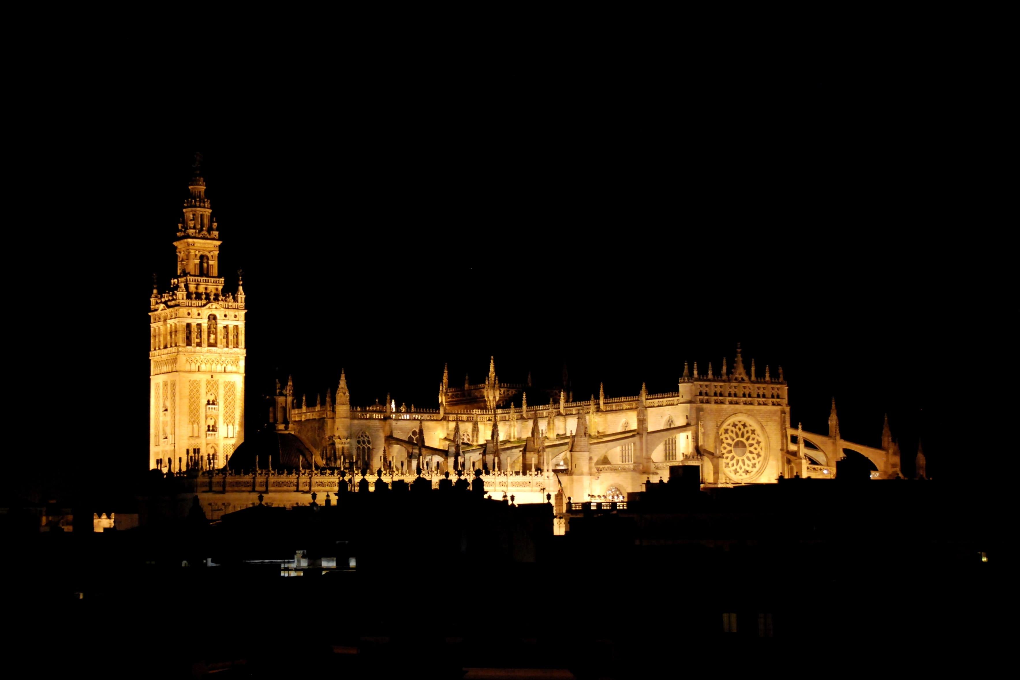 capodanno siviglia catedral notte