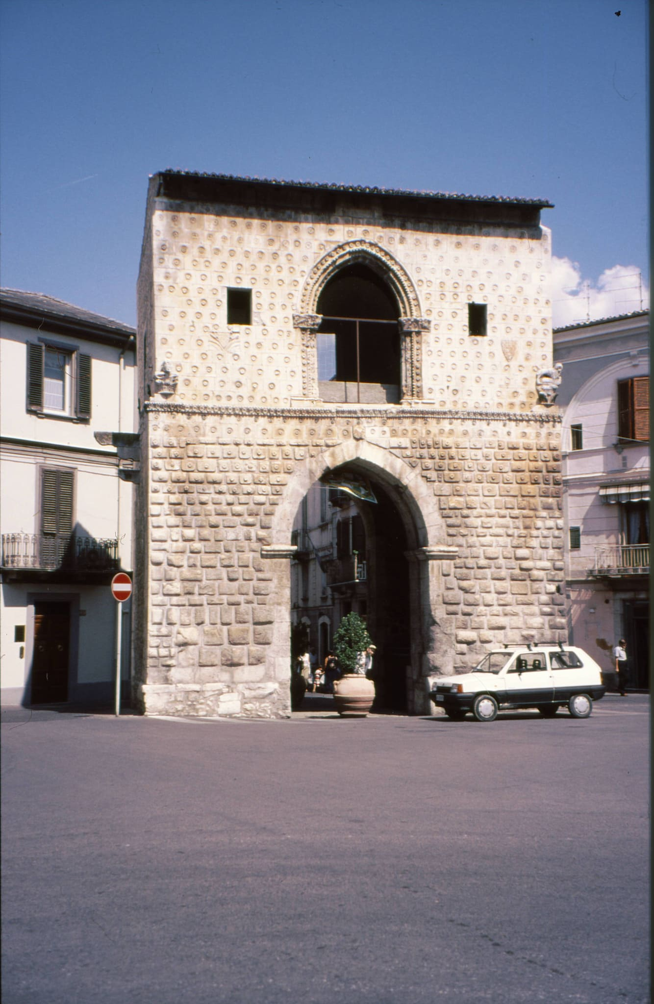 Porta napoli sulmona