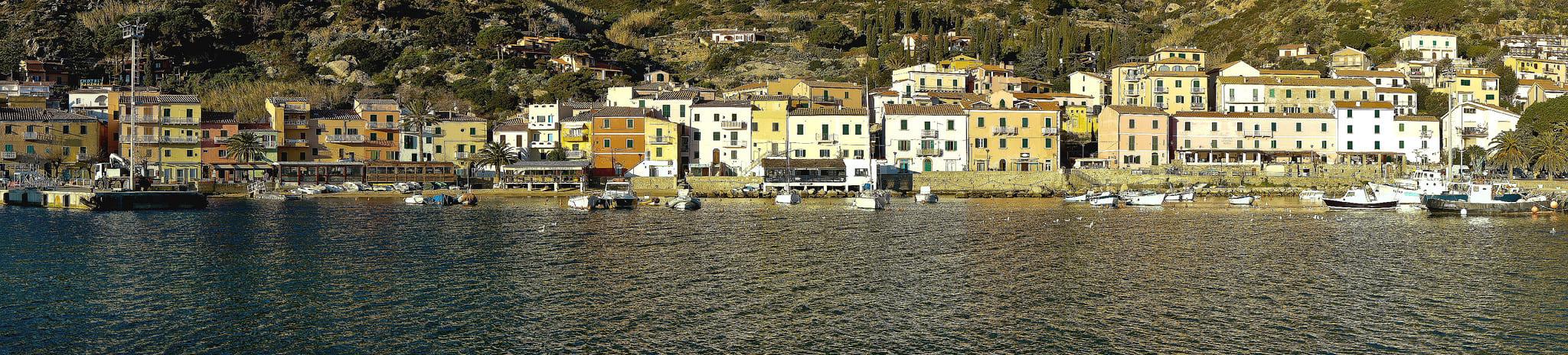 hotel strani italia, isola del giglio faro